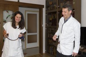 A vadi új doktorbácsi régi asszisztensével